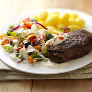 Steak à la sauce provençale de légumes