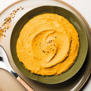 Mousseline van wortel en milde kruiden