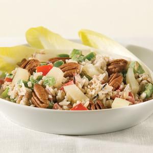 Salade de riz aux poires fraîches et noix de pécan