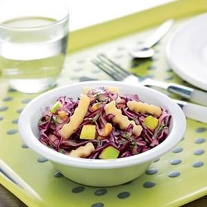 Salade de chou rouge et pommes croquantes