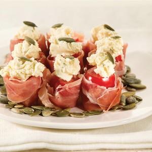Tomates cerises garnies de jambon Serrano